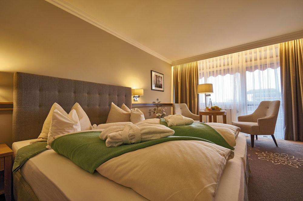 Kleiner Kühlschrank Im Hotelzimmer : Doppelzimmer bad füssing thermenhotel wellnessurlaub sterne